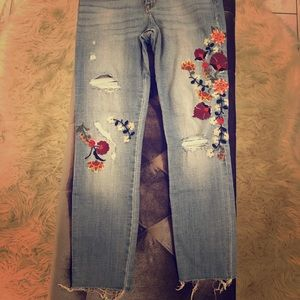 Abercrombie & Fitch embroidered cropped jeans